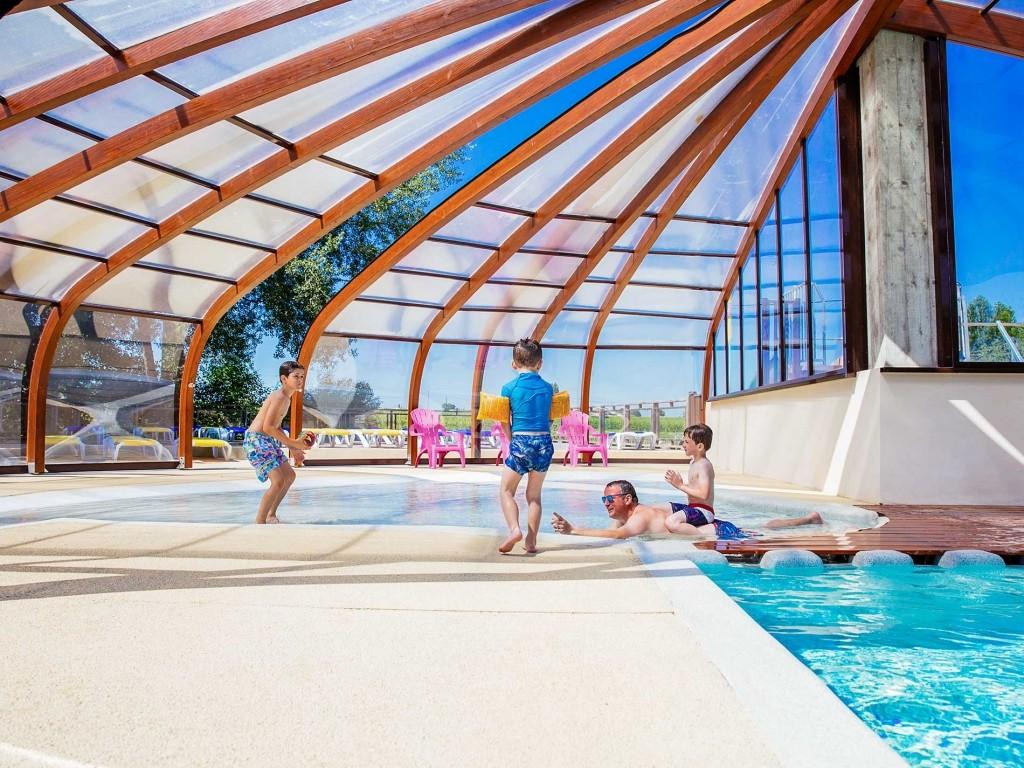 Camping Avec Piscine Et Parc Aquatique Chauffe A Saint Emilion Bordeaux