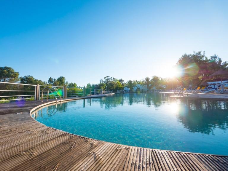 Village de vacances yelloh village algarve turiscampo piscine - Village vacances auvergne piscine ...