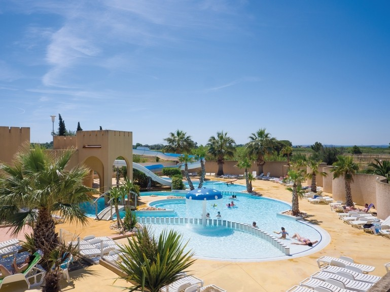 Water park swimming pool or lagoon here at yelloh - Campgrounds in ohio with swimming pools ...