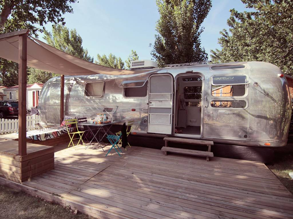 caravane airstream brenda lee 4 personnes 1 chambre insolite s rignan plage nos autres. Black Bedroom Furniture Sets. Home Design Ideas