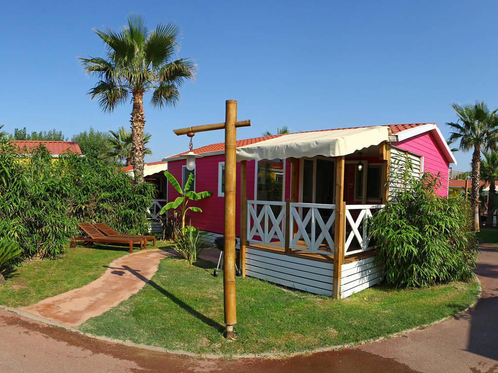 Cottage 5 People 2 Bedrooms 1 Bathroom Air Conditioned Premium S Rignan Plage Waikiki Area