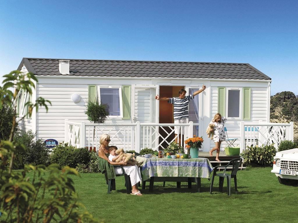 mobilhome oc an 5 personen 2 kamers 1 badkamer 3 bloemen la roche sur yon. Black Bedroom Furniture Sets. Home Design Ideas