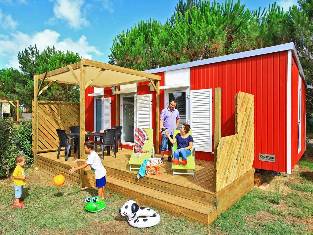 Cottage 5 personen 2 kamers 2 badkamers met airconditioning premium carcassonne wijk premium - Ouderlijke badkamer ...