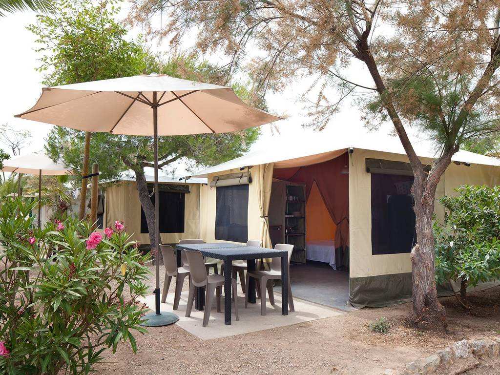 Tente meubl e mayotte 5 personnes 2 chambres creixell - Location tente meublee camping ...