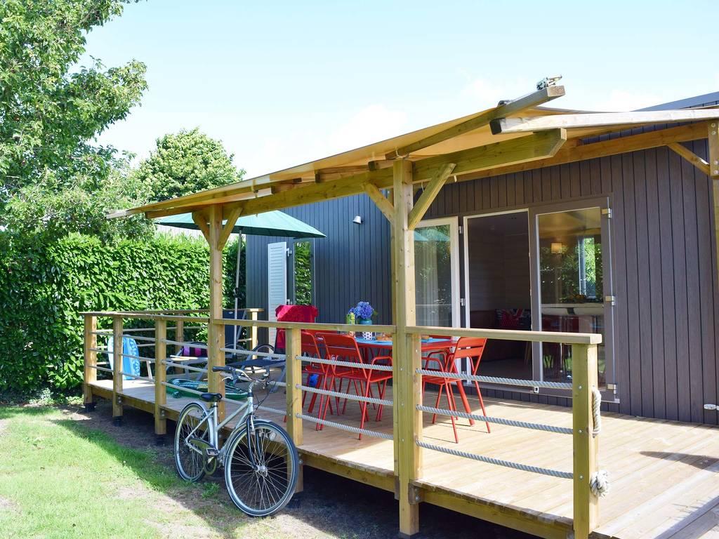 Cottage lodge 6 personen 3 kamers 2 badkamers premium lesconil wijk jardin premium - Ouderlijke badkamer ...