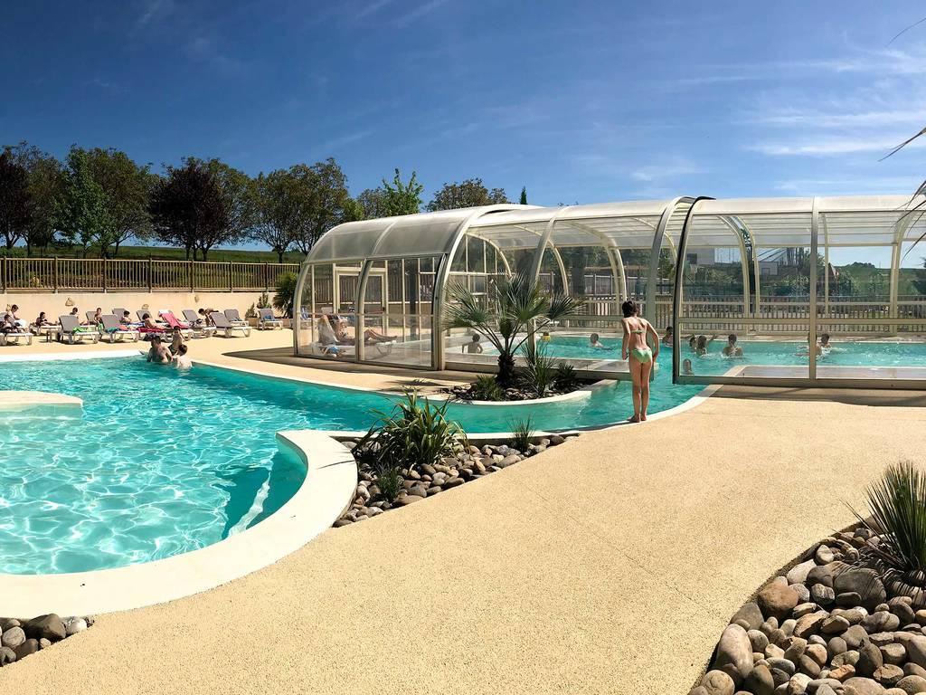 Lascaux vacances camping avec espace baignade for Village vacances avec piscine couverte