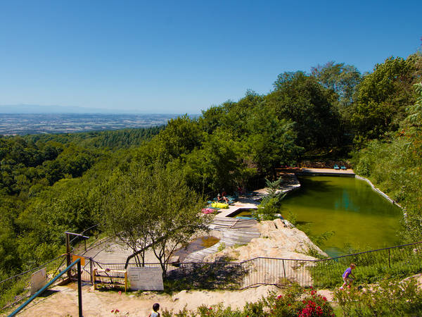 Camping le bout du monde yelloh village in aude for Camping queyras piscine