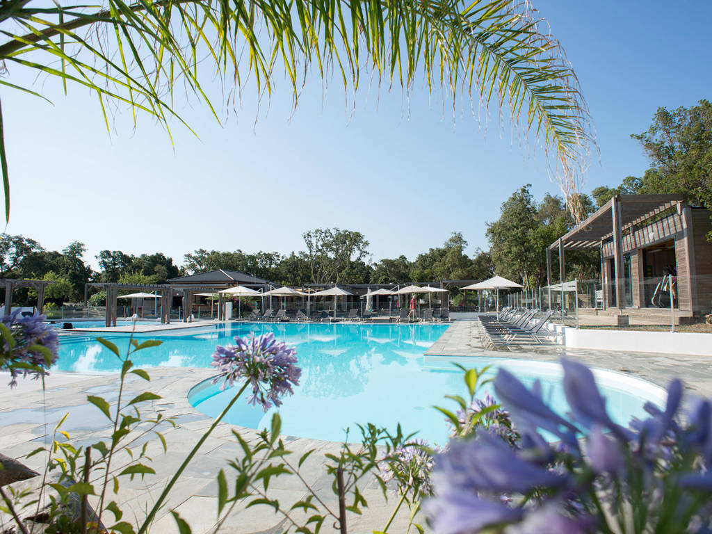 Camping le campoloro in corsica bathing in the swimming - Campgrounds in ohio with swimming pools ...