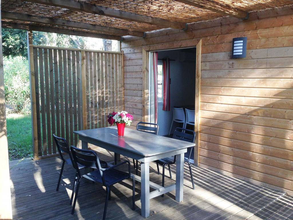 Chalet 4 personen 2 kamers 1 badkamer met airconditioning 2 bloemen cervione zone bij het maquis - Buiten terras model ...