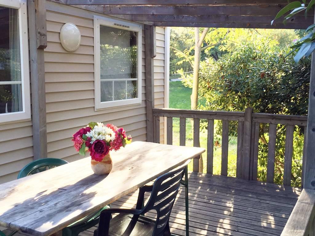 cottage 6 personen 3 kamers 1 badkamer met airconditioning. Black Bedroom Furniture Sets. Home Design Ideas