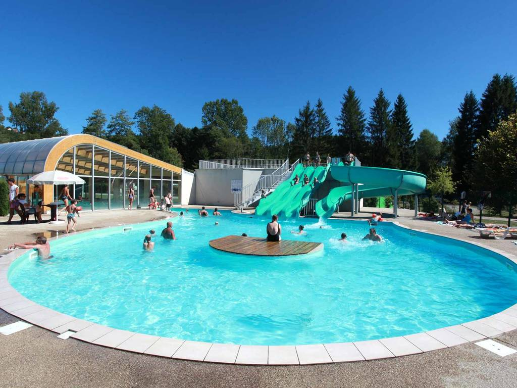 Camping village le fayolan espace baignade for Piscine village nature