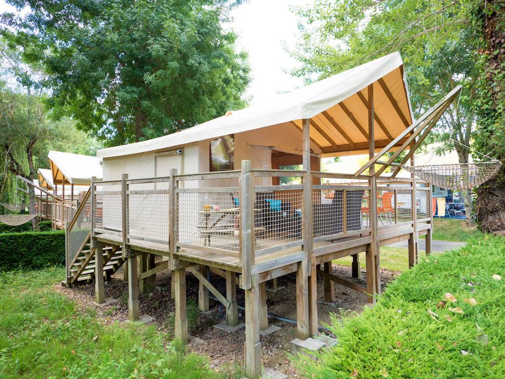 Tente meubl e lodge sahari 4 personnes 2 chambres sur for Tente 4 personnes 2 chambres