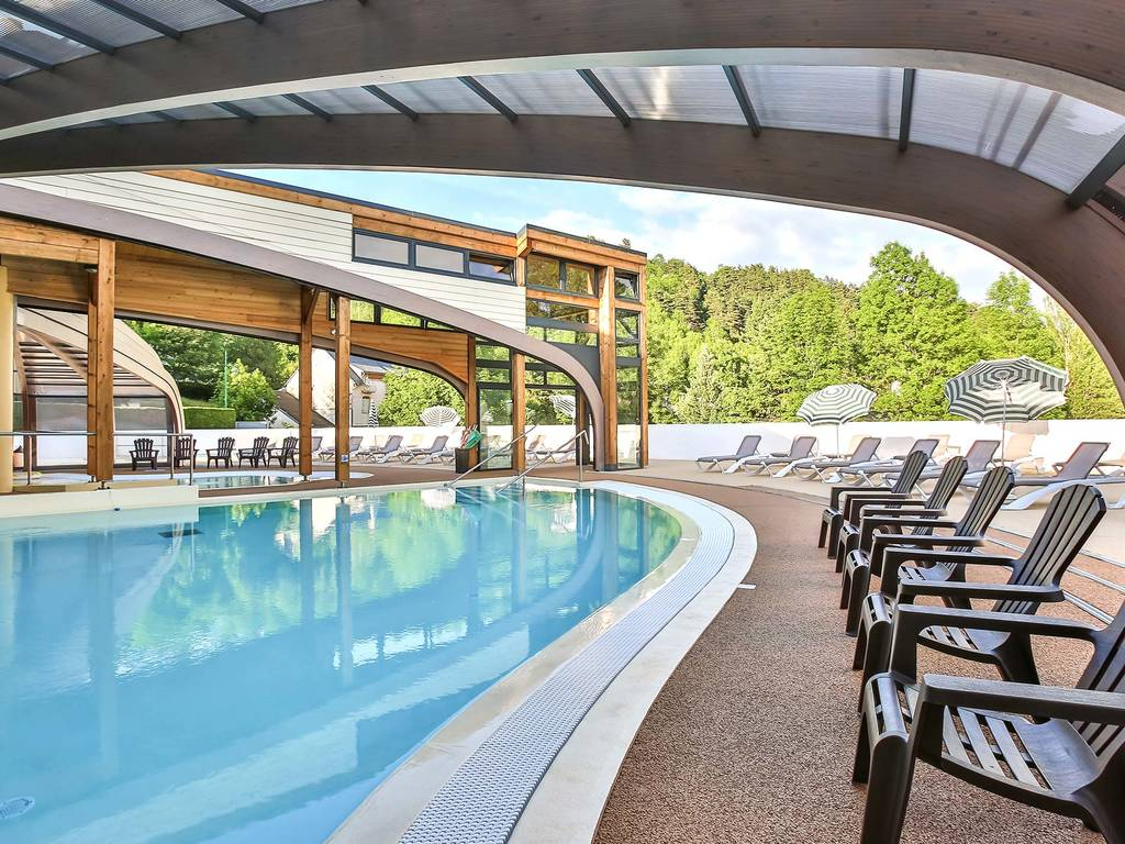 Discover the swimming area at the yelloh village le pr bas for Camping les vosges avec piscine