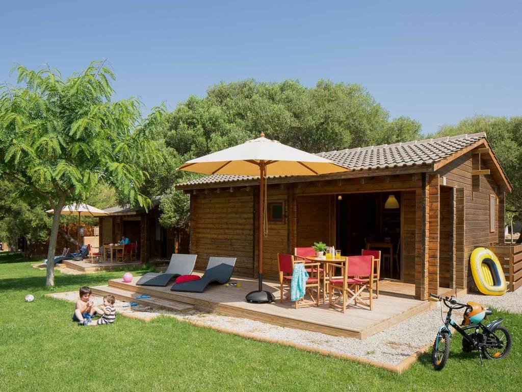 chalet 4 personnes 2 chambres 1 salle de bain 4 fleurs port mahon. Black Bedroom Furniture Sets. Home Design Ideas