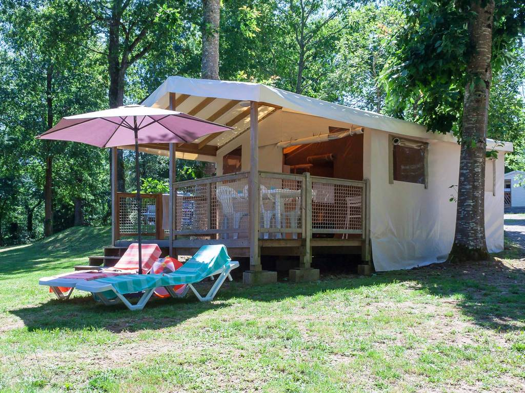 Tente meubl e lodge safari 4 personnes 2 chambres eymouthiers - Location tente meublee camping ...
