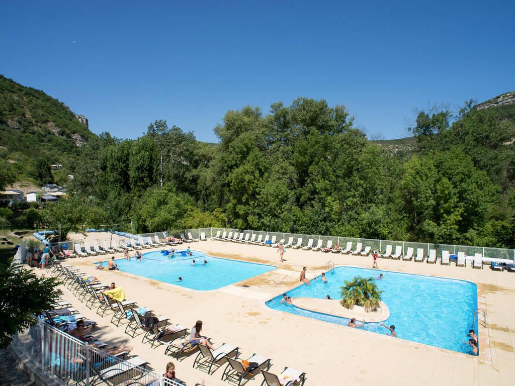 D couvrez l espace baignade du camping les rami res for Chauffer piscine naturelle