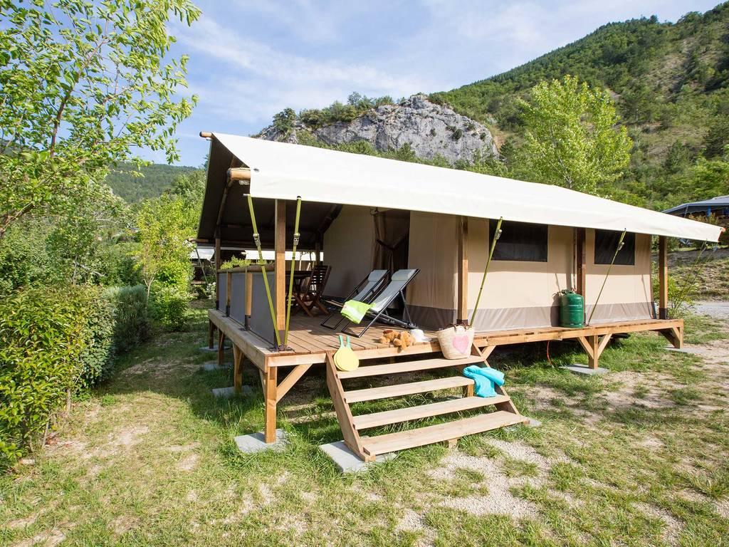 gemeubileerde tent lodge safari 5 personen 2 kamers 1 badkamer nyons onze andere accommodaties. Black Bedroom Furniture Sets. Home Design Ideas