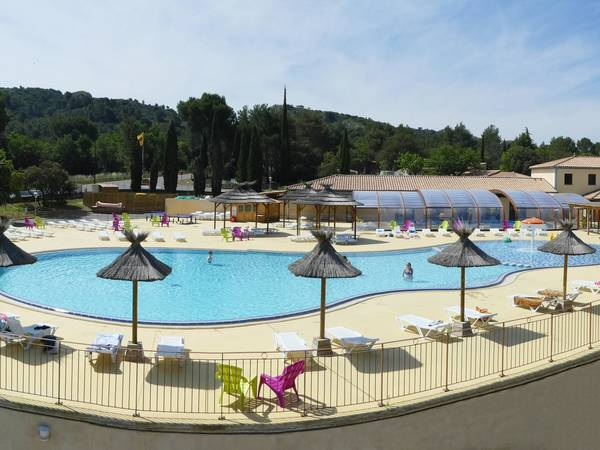 Camping luberon parc yelloh village charleval en for Camping en provence avec piscine