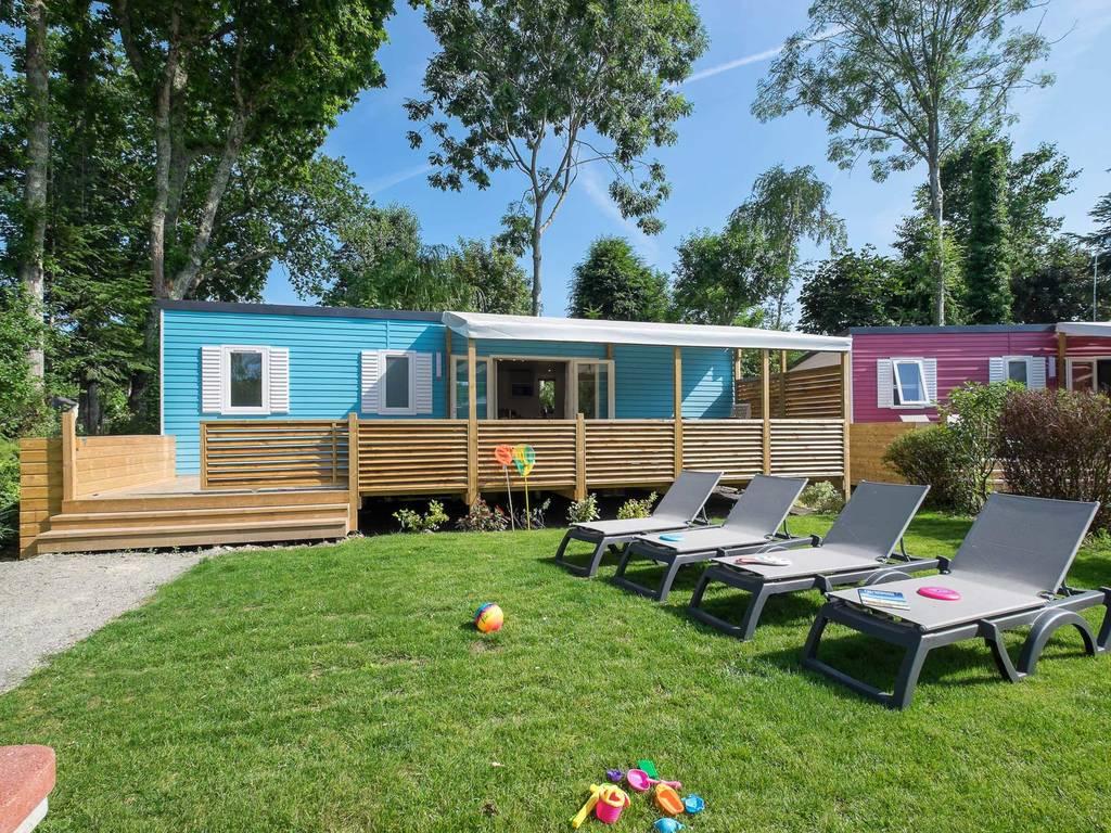 cottage family 8 personen 4 zimmer 1 bad 4 blumen. Black Bedroom Furniture Sets. Home Design Ideas