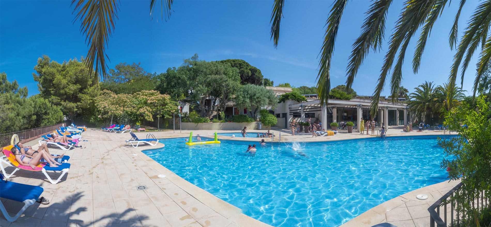 Swimming pool and mediterranean beach at the camping sant pol - Campgrounds in ohio with swimming pools ...