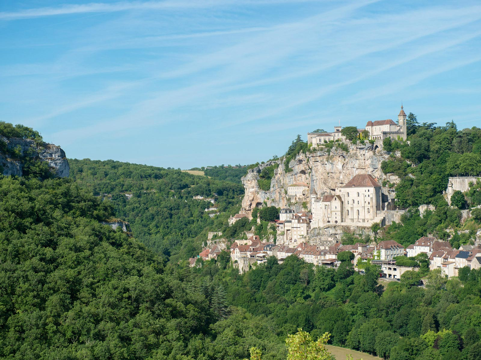 Camping rocamadour spend your holiday on a yelloh for Camping rocamadour piscine