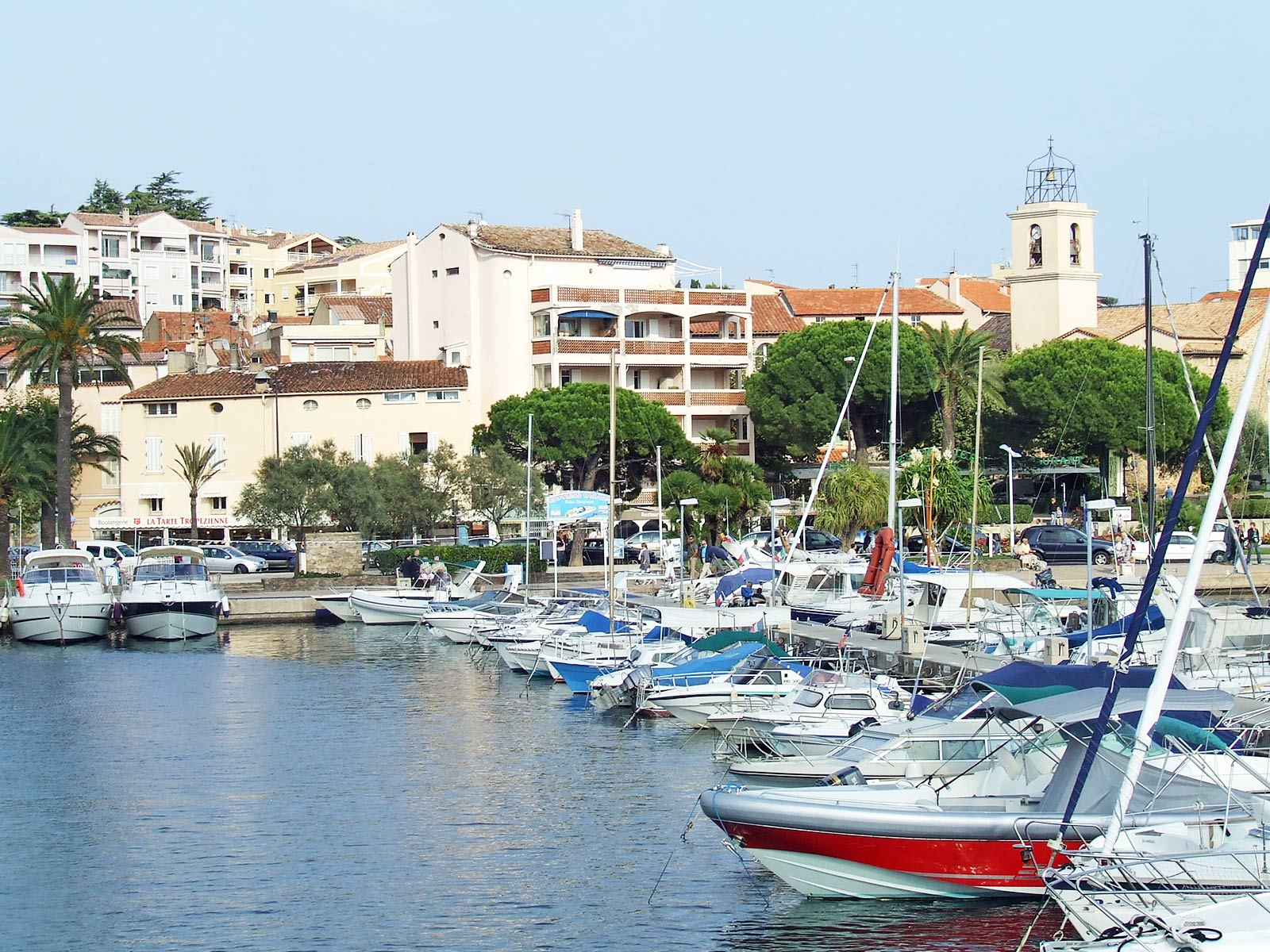 Camping sainte maxime spend your holidays on a yelloh for Piscine sainte maxime