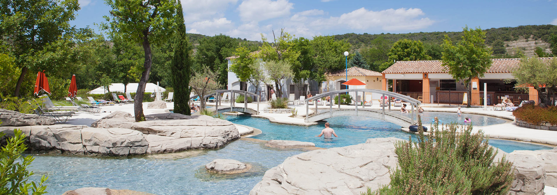 Camping swimming pool discover the swimming pools of the for Camping avignon avec piscine