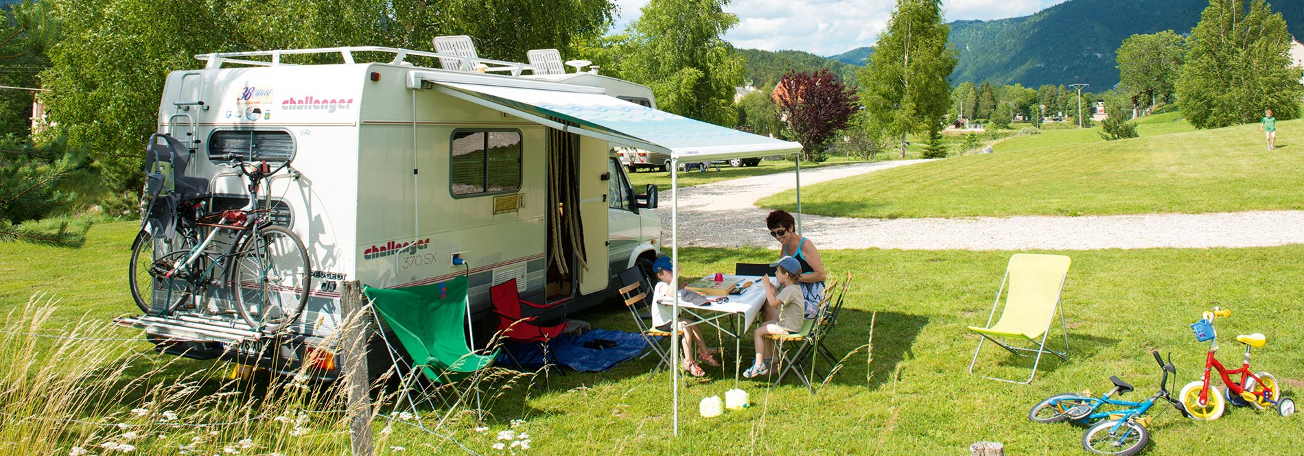 camping caravane nos locations d 39 emplacements en camping tentes camping car. Black Bedroom Furniture Sets. Home Design Ideas