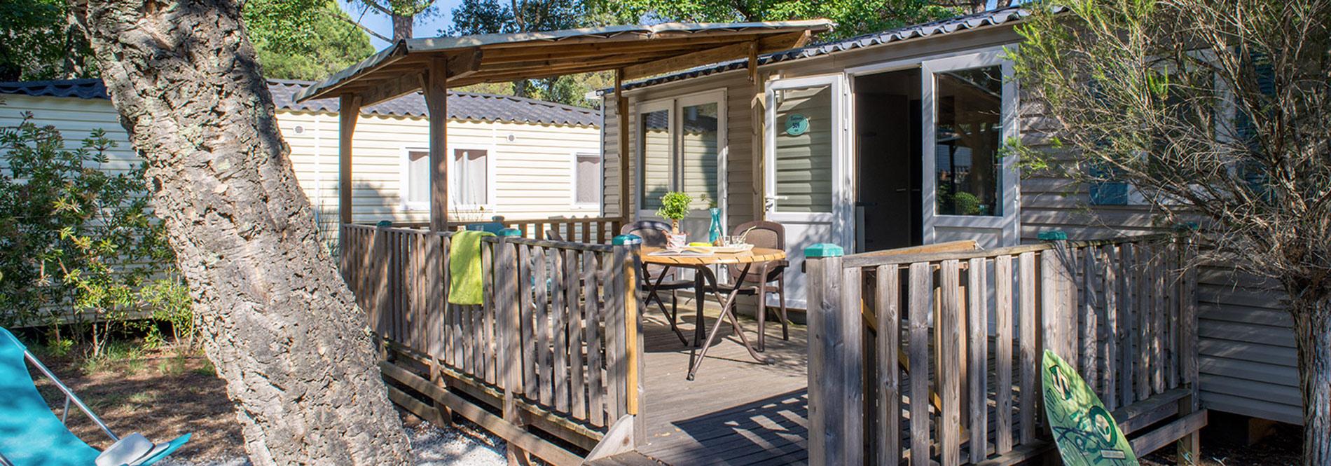 camping offre sp ciale 35 la nuit en cottage pour des vacances petit prix en camping yelloh. Black Bedroom Furniture Sets. Home Design Ideas